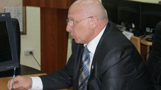 Ректор Кузнецов обхаживает политэлиту, метя на пост спикера думы?