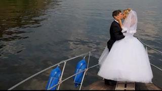 Депутат облдумы снялся в свадебном видео известного спортсмена