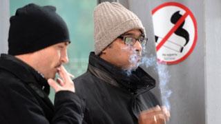Минздрав предлагает жаловаться на курильщиков через приложение