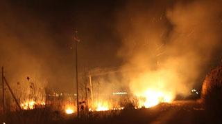 Саратов заволокло дымом из-за крупного пожара в Расково