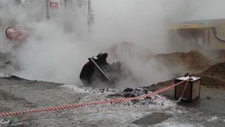 На Чернышевского «Нива» перевернулась в яму