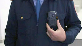 Краснокутским полицейским выдали нагрудные видеокамеры