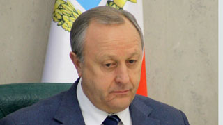 Губернатор Валерий Радаев сократил зарплату на 10%