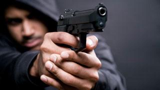 Проигравший саратовец напал с пистолетом на букмекерскую контору