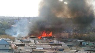 В Солнечном тушат крупный пожар
