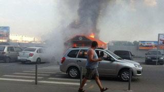 У торгового центра «Оранжевый» горели 4 иномарки