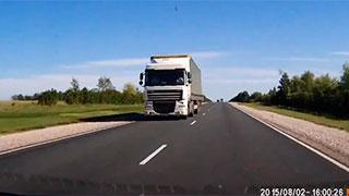 Гибель 5 саратовцев в автокатастрофе была снята на видеорегистратор