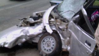 Иномарка протаранила легковушку и влетела в бетонную стену