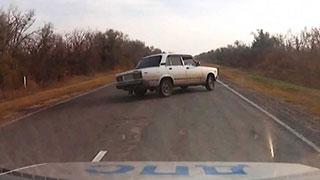 Автоинспекторы сняли ДТП на видеорегистратор во время погони
