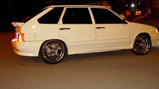 В Саратове неизвестный протаранил полицейский автомобиль и скрылся