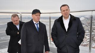 Олег Грищенко осмотрел самый высотный дом в Саратове