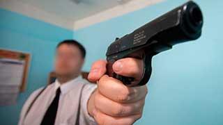 Разбойник с пистолетом напал на офис микрокредитования на Сенном рынке