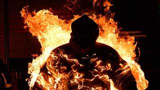 Стали известны ужасающие подробности поджога троих людей в Энгельсе