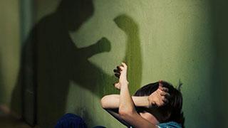 В доведении 7-летнего мальчика до суицида заподозрили его мать и отчима
