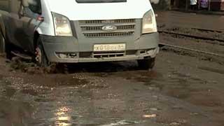 «Первый канал»: Дороги в Саратове стали печальным символом города