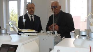 Губернатор посетил новый модуль станции переливания крови