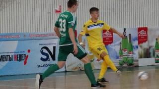 «Волга-Саратов» сыграла первый матч в мини-футбольной высшей лиге