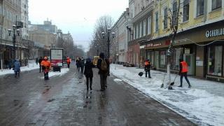 Снегопад в Саратове. На уборку улиц вышли 152 рабочих и 118 машин