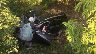 Двое детей и женщина погибли в столкновении легковушки с грузовиком