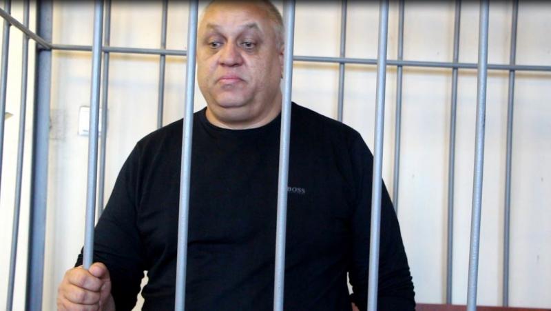ВСаратове ждет суда предприниматель, пытавшийся подкупить сотрудника УФСБ