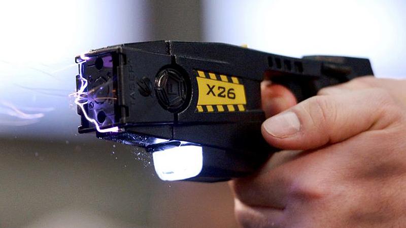 Саратовец помог милиции задержать преступника сэлектрошокером