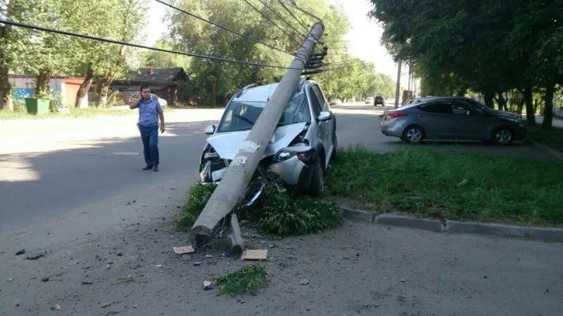 Смертельное ДТП под Балаково: один человек умер идвое ранены